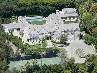 tom cruise house tom cruise buys 35 million beverly hills mansion katie