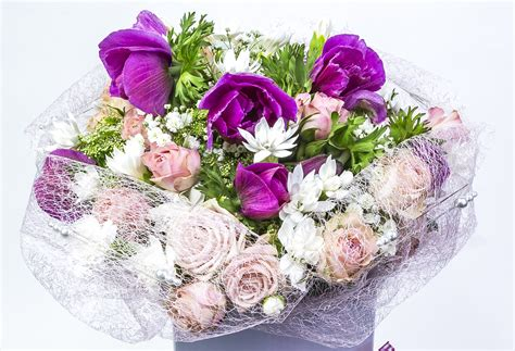cottage garden flowers and gifts bouquet incl roses cottage garden flowers gifts