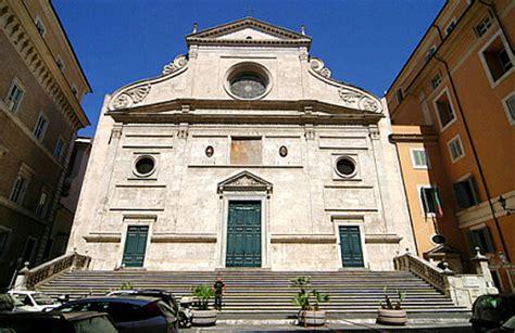 porta sant roma chiesa di sant agostino in co marzio of rome