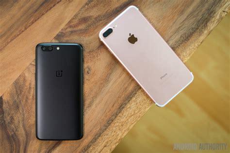 oneplus 5 vs apple iphone 7 plus look android