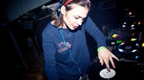 vinyl house music nina kraviz s dance mania all vinyl techno house music mix magnetic magazine
