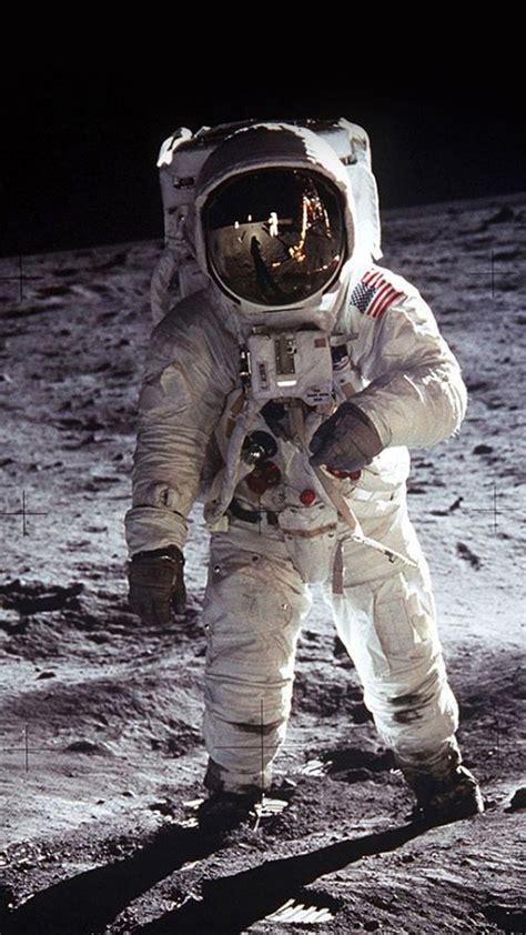 astronaut iphone wallpaper pixelstalknet