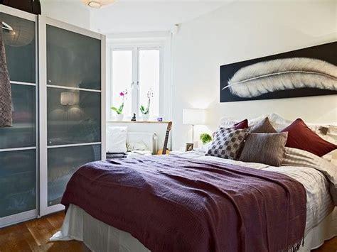 design ideas    small bedroom  bigger