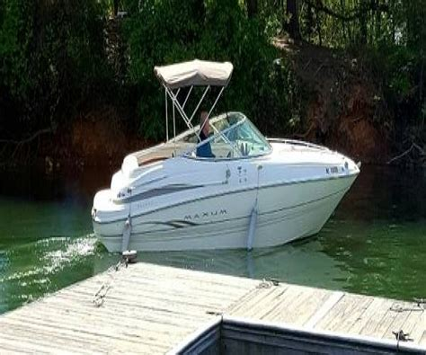 maxum cuddy cabin boats for sale 2001 maxum 2300 sc cuddy cabin power boat for sale in