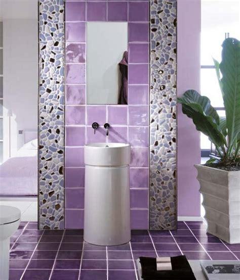 lila und graues badezimmer 30 stile und ideen f 252 r badezimmer und badezimmerfliesen