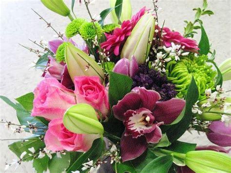 fiori composizione composizione fiori artificiali composizione di fiori finti