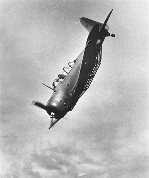 dive bomber douglas sbd dauntless scout dive bomber pacific