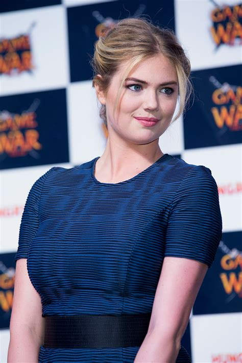 who is the girl in age of war advert kate upton game of war fire age promotional event in