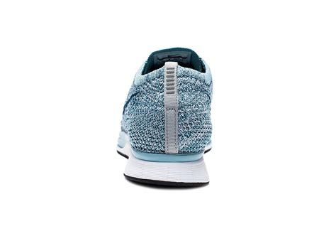 Sepatu Nike Flyknit Racer Macaroon Pack Blueberry Legion Blue nike flyknit racer legion blue 526628 102 sneakernews