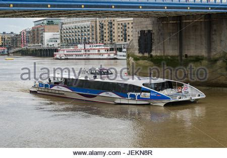 thames clipper pass mbna thames clippers river bus service passes the