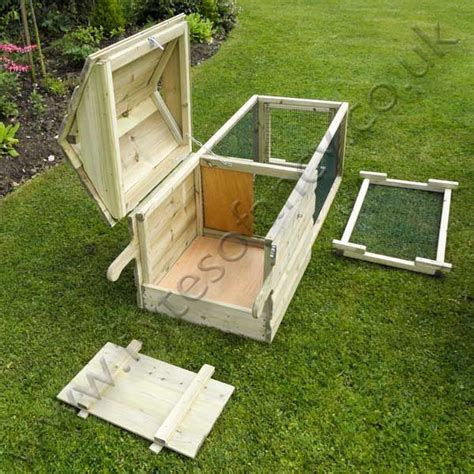 small backyard chicken coop plans free 1000 ideas about small chicken coops on pinterest