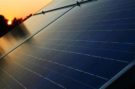 do solar panels reflect light ask pablo do solar panels contribute to the heat island
