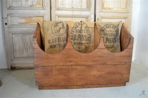 meuble bois 1264 meubles de grainetier anciens table de lit