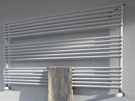 scaldasalviette orizzontali bagno ritmato scaldasalviette by radiatori