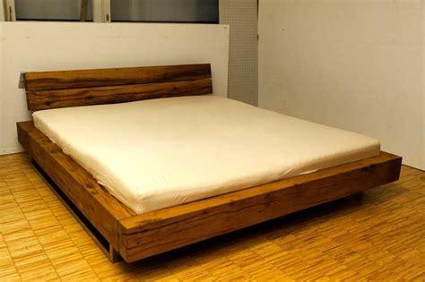 betten schlafzimmermöbel www moebel de betten massives wildeichenbett mit hohem