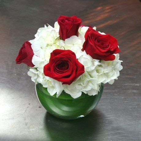 Red Roses Wedding Centerpieces   White Hydrangea and Red
