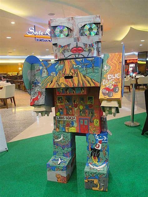 membuat robot dari kardus merayakan hari bumi dengan karya seni ramah lingkungan
