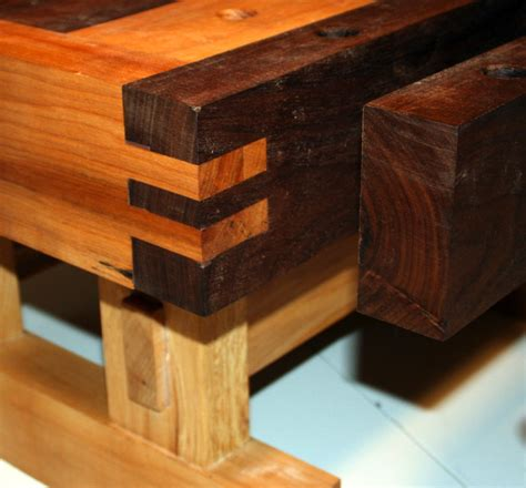 benchtop bench jordan s benchtop workbench the wood whisperer