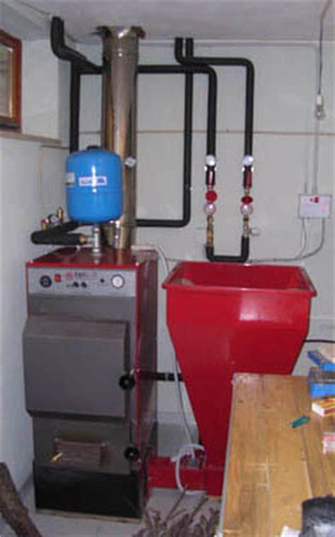 Tas C Nel Kw riscaldamento domestico a biomassa e pannelli solari