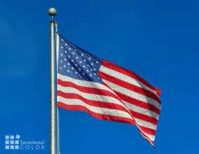 what do the colors of the flag american white and blue