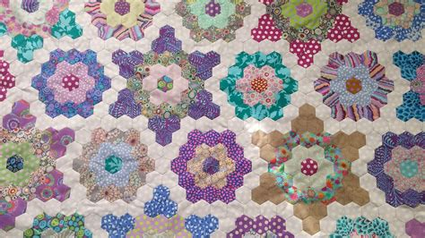Pieced Quilts by Cape Pincushion Hexagon Paper Pieced Quilt Assembly