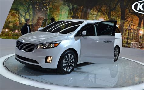Kia Sedona Awd 2015 Kia Sedona An Crossover The Car Guide