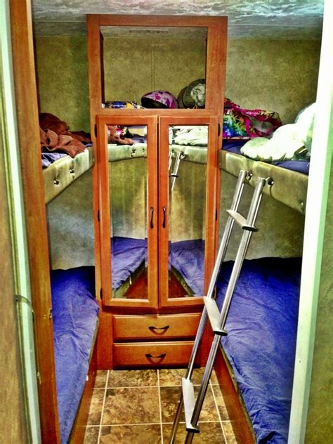 travel bunk beds 32 qbs travel trailer the back bedroom w 2 bunk beds