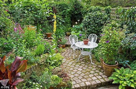 small garden idea the ultimate small garden makeover guide daily mail