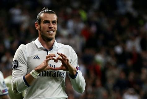 gareth bale i want to help real madrid win six trophies next barcelona vs real madrid why gareth bale loss could be a