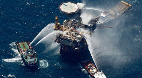 offshore drilling boats new york times u s issues new rules on offshore drilling