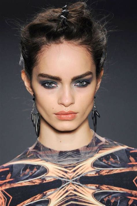 hot looks for fall 2014 2014 fall winter makeup trends bold blind beauty