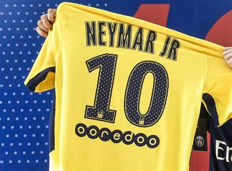 Neymar Le Psg Va D 233 J 224 R 233 Alimenter Les Boutiques En Maillots