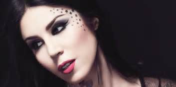 kat von d doesn t give makeup tips still has the best one