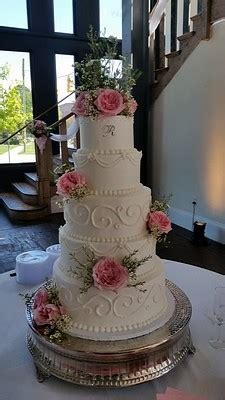 Vintage Bakery, LLC   Blythewood , SC Wedding Cake