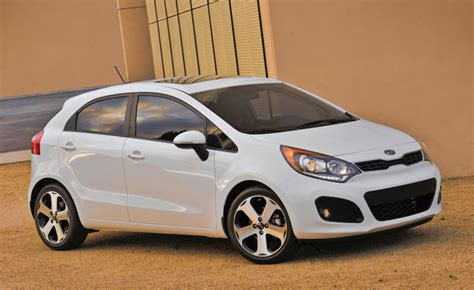 old car repair manuals 2013 kia rio navigation system 2013 kia rio sx hatchback gets limited run stick shift 187 autoguide com news