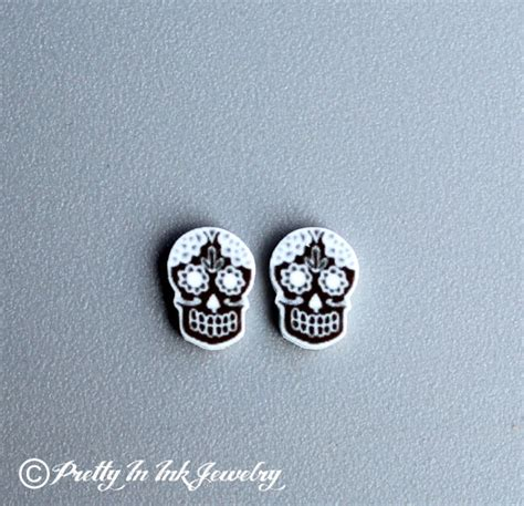 Setelan Mini Skull Black day of the dead mini black and white sugar by prettyininkjewelry