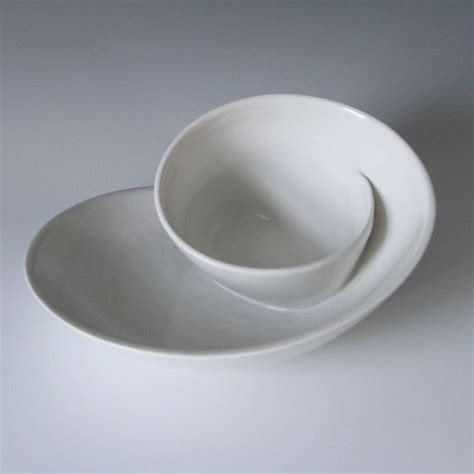 Whirl Serving Plate No. 18   Bright White   vessels