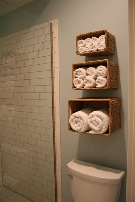 ideas for towel storage in small bathroom