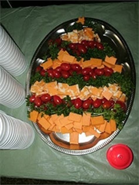 christmas tree relish tray 71 best relish trays images on garnishing drinks and food