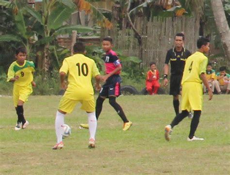 Jaket Bomber Fersi Bola Black M City Fc foto foto pelatih sepak bola dunia ketika muda kumpulan foto bambang pamungkas foto pemain