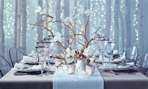 tavola apparecchiata per capodanno come decorare la tavola di capodanno con una tovaglia fai