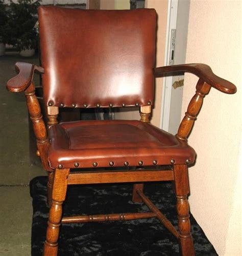 hoher stuhl mit armlehne stuhl mit armlehne leder simple alfons weiss