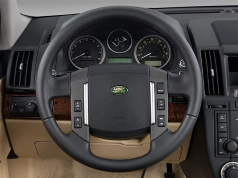 land rover steering wheel 2011 land rover lr2 pictures photos gallery motorauthority