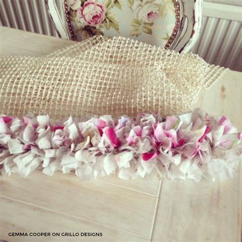 how to make a diy rag rug using bedding
