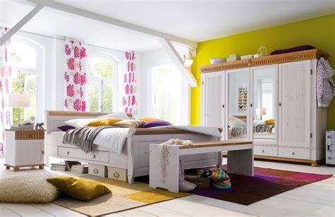 schlafzimmermöbel weiß landhausstil wohnzimmer welche farben