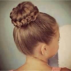 le enfant chignon coiffure 25 chignons pour filles tr 232 s tendance