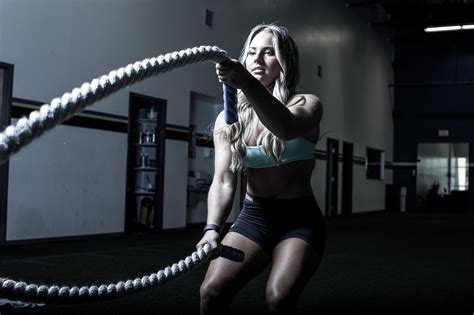 imagenes fitness hd a woman working out in the gym health hd wallpaper