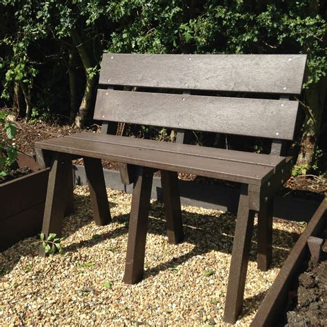 recycled bench seats recycled plastic ergo seats and benches filcris ltd