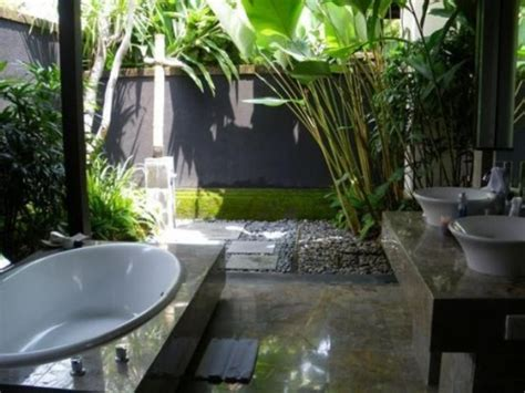 amazing tropical bathroom decor ideas digsdigs
