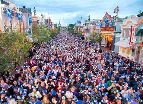 A Calendar Crowded Crowds Disneyland Calendar 2015 Calendar Template 2016